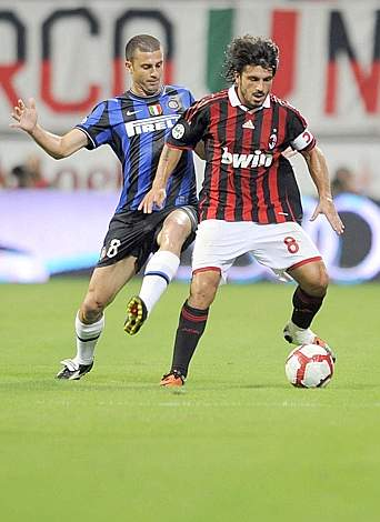 Contrato tra il milanista Gattuso e Thiago Motta (Afp)