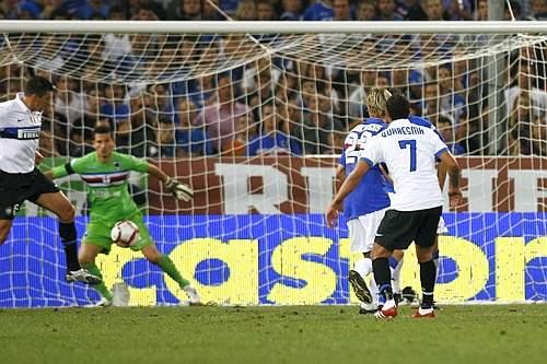 Sampdoria-Inter: il gol annullato di Quaresma (Sport Image)