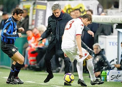 Inter-Roma: Mourinho «contrasta» Motta (Pegaso)