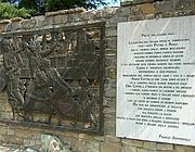 Il monumento della strage di Civitella (da resistenzatoscana.it)