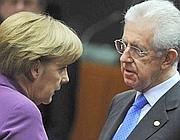 La cancelliera tedesca Angela Merkel e il premier Mario Monti (Lapresse)