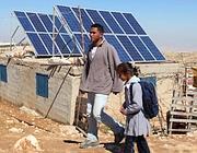 Pannello solare nel villaggio di Al-Thala, in Cisgiordania (Epa)