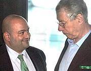 L'ex tesoriere della Lega Nord, Francesco Belsito, e il segretario del partito Umberto Bossi (Imagoeconomica)