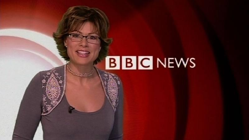 Kate Silverton, giornalista, durante un notiziario Bbc