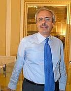 Il governatore della Sicilia Raffaele Lombardo (Ansa)