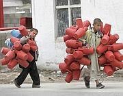 Bambini al lavoro in Afghanistan (Ap)