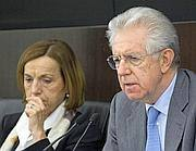 Il premier Mario Monti e la titolare del Welfare Elsa Fornero (Ansa)