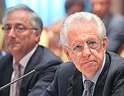 Il premier Mario Monti con il ministro della Funzione pubblica Patroni Griffi (Scudieri)