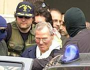 Bernardo Provenzano il giorno dell'arresto l'11 aprile 2006 (Ansa)