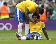 Silva conforta Marcelo dopo la sconfitta (Reuters)