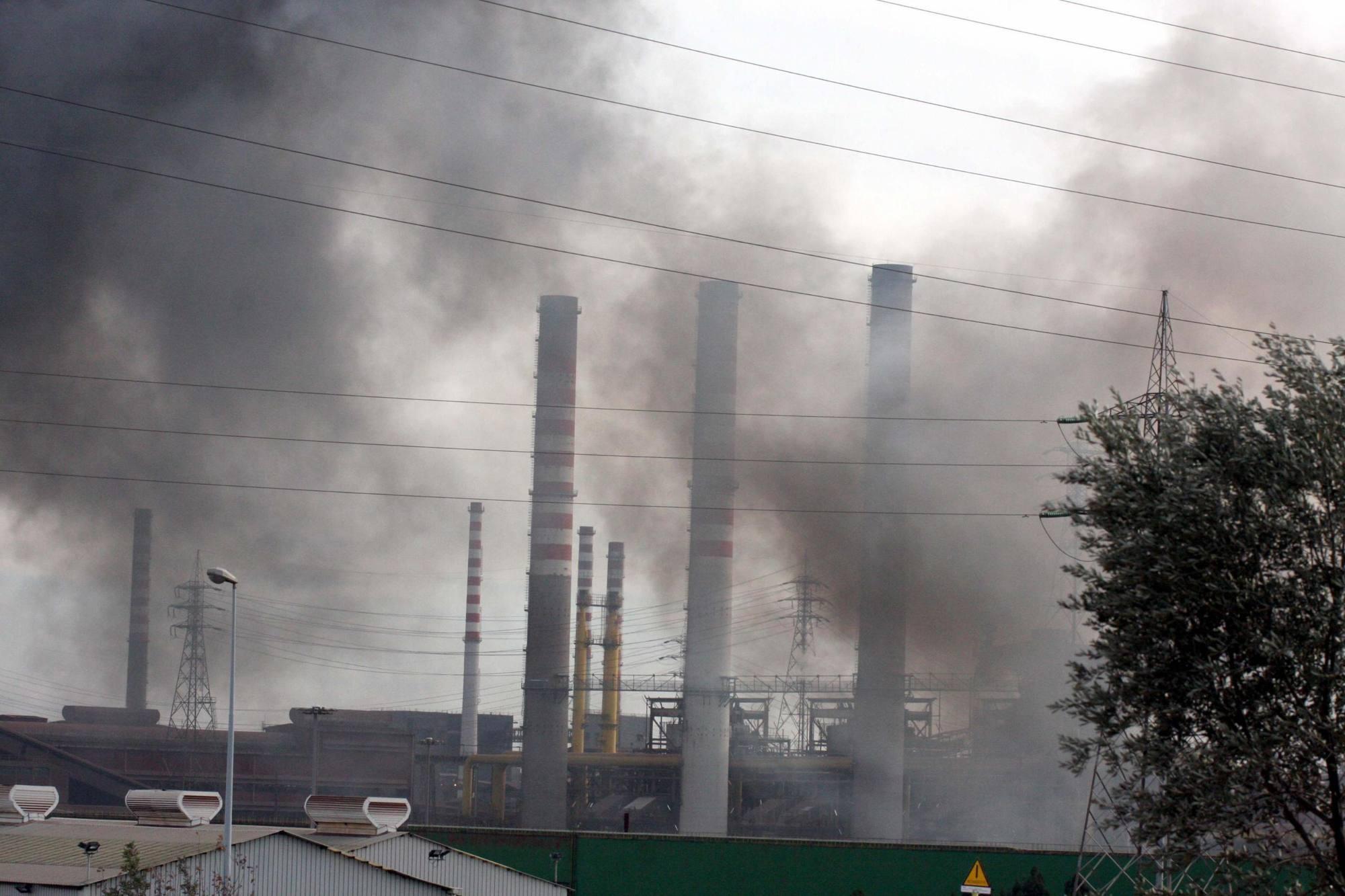 Lo stabilimento siderurgico (Ansa/Ingenito)