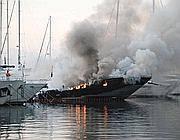 L'incendio nel porto di Sanremo