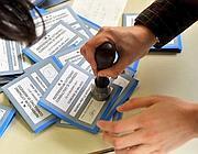 Le schede e i quesiti del referendum di giugno 2011 (Fotogramma)
