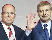 Dmitrij Rybolovlev (a destra) con il principe Alberto (Epa)