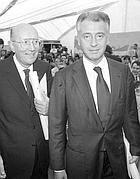 L'allora ministro della Sanità Francesco De Lorenzo con don Verzé