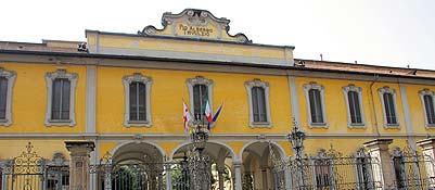 Milano, svelata la «lista» del Trivulzio Molti nomi noti tra gli inquilini|Foto