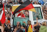 Benedetto XVI durante la visita a Friburgo a settembre (Reuters)