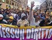 Una manifestazione di lavoratori immigrati (Eidon)