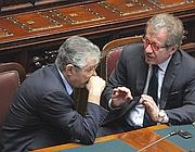 Bossi e Maroni confabulano in Parlamento