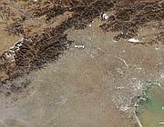 La foto della Nasa sulla stessa area ma il giorno dopo (11 gennaio 2012). Il vento ha spazzato via lo smog