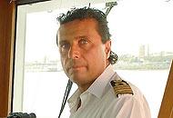 Giglio, il medico di bordo: �Schettino si tolse la divisa e ci abbandon�