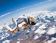 Baumgartner durante una prova di lancio d'alta quota (dal sito)