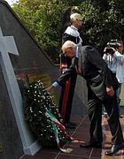 Il presidente della Repubblica Giorgio Napolitano a Cefalonia rende omaggio ai caduti (Epa)