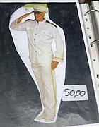 Il catalogo con il costume da Schettino
