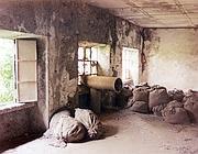Tre finestre dello stabilimento di Casale Monferrato della Eternit in una scena dal documentario �Indistruttibile� di Michele Citoni (Ansa)