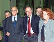 Una foto d'archivio del 2002 dell'ex Pm Gherardo Colombo(c) con Francesco Saverio Borrelli e Ilda Bocassini
