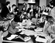 I cronisti che seguivano l'inchiesta riuniti in conferenza stampa