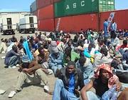 Il porto di Tripoli all'arrivo dei 238 migranti respinti in Libia il 7 maggio 2009 (Foto: Cir, Consiglio Italiano per i Rifugiati onlus)
