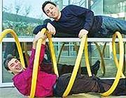 Sergey brin e Larry Page (nella spirale) co-fondatori nel 1997 di Google