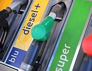 Benzina, prezzi-record: rischio due euro al litro