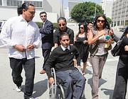 Luis Mijangos all'uscita del tribunale (news.24by7info.net)