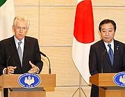 Il presidente del Consiglio Mario Monti con il primo ministro giapponese Yoshihiko Noda (Kajiyiama/Epa)