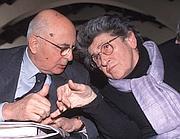 Miriam Mafai con Giorgio Napolitano in una foto d'archivio