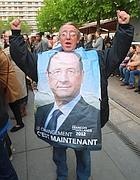 Un sostenitore di Francois Hollande (Ap)