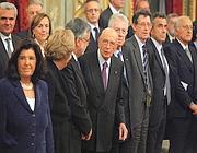 Giorgio Napolitano con il Presidente del Consiglio Mario Monti e il suo Governo il giorno dell'insediamento (LaPresse/Scrobogna)