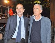 Gene Gnocchi (D) con il candidato del centrosinistra a sindaco di Parma, Vincenzo Bernazzoli,