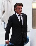 Sean Penn arrivato  a Cannes (Afp)