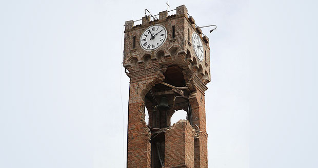 [IMG]http://images2.corriereobjects.it/Media/Foto/2012/06/03/torre2_super.jpg?v=201206032235[/IMG]