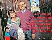 Una foto di Pizzarotti con la moglie sul settimanale