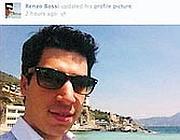 La foto postata l'11 maggio 2012 nel pieno dello scandalo sulla laurea: risaliva al 2011 in Liguria, ma aveva raccolto molti commenti ironici che ipotizzavano un «ritorno alle coste albanesi»