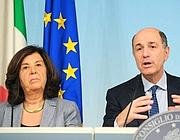 Il ministro della giustizia Paola Severino e il ministro Passera (Benvegn-Guaitoli-Cimaglia)