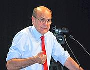 Pierlui Bersani all'assemblea Pd (Ansa)