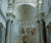 L&#8217;abside della chiesa di San Salvatore a Spoleto (foto Mimmo Jodice / Corbis)