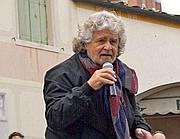 Grillo durante un comizio si è espresso sulla situazione siriana suscitando alcune critiche
