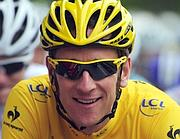 Bradley Wiggins in maglia gialla al Tour