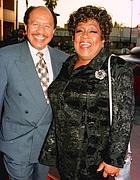 Hemsley con  Isabel Sanford (Reuters)
